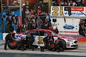 Blaney Finishes 10th in Night Race At Bristol