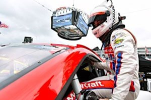 Blaney Qualifies 10th For Bristol Night Race; Team To Honor Late Crewman Butch Moricle