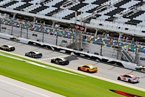 Fast Qualifying Lap At Daytona Earns Blaney His 12th Top-10 Start of 2017