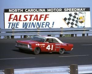 """Old Man"" Turner Beat A Young Cale Yarborough To Win Inaugural Race at Rockingham"
