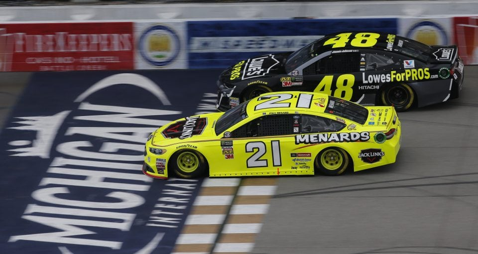 #21: Paul Menard, Wood Brothers Racing, Ford Fusion Menards / Jack Links #48: Jimmie Johnson, Hendrick Motorsports, Chevrolet Camaro Lowe's for Pros