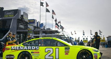 Menard Qualifies 15th At Michigan