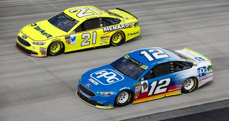 #21: Paul Menard, Wood Brothers Racing, Ford Fusion Menards / Tarkett and #12: Ryan Blaney, Team Penske, Ford Fusion PPG