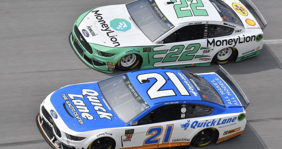 #21: Paul Menard, Wood Brothers Racing, Ford Mustang Quick Lane Tire & Auto Center, #22: Joey Logano, Team Penske, Ford Mustang MoneyLion